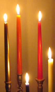 Image 0818 Candlelit Corner Straight On © Catherine Rutgers
