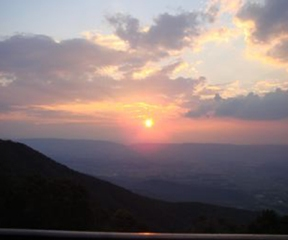 Shenandoah Sunset © Tom Burnett